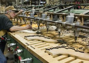 83 006 Multi Carver Pediment Craft